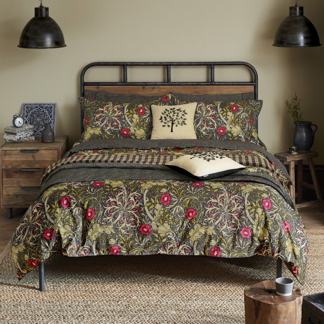 William Morris Seaweed Black Bedding