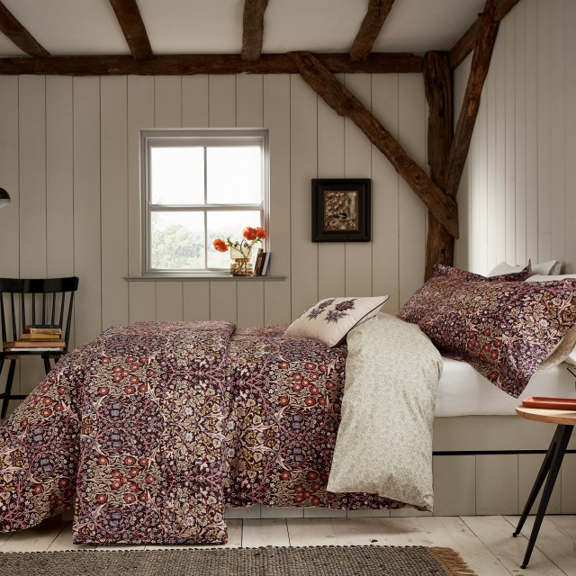 William Morris Blackthorn Damson Bedding