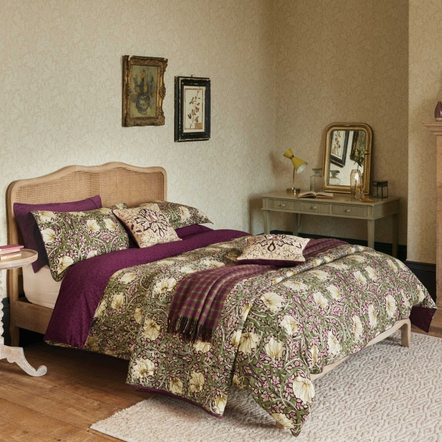 William Morris Pimpernel Aubergine Bedding