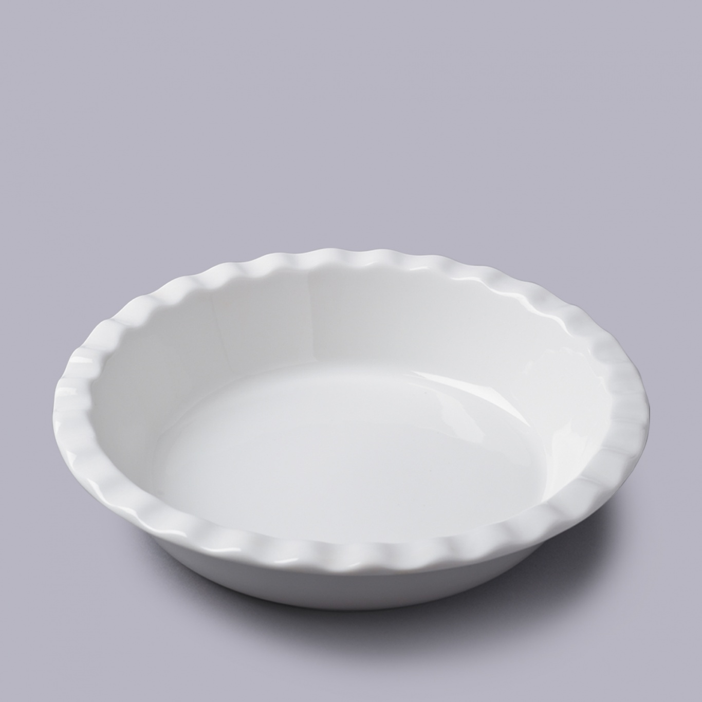 Image of Round Pie Dish with Crinkle Crust Rim 27cm