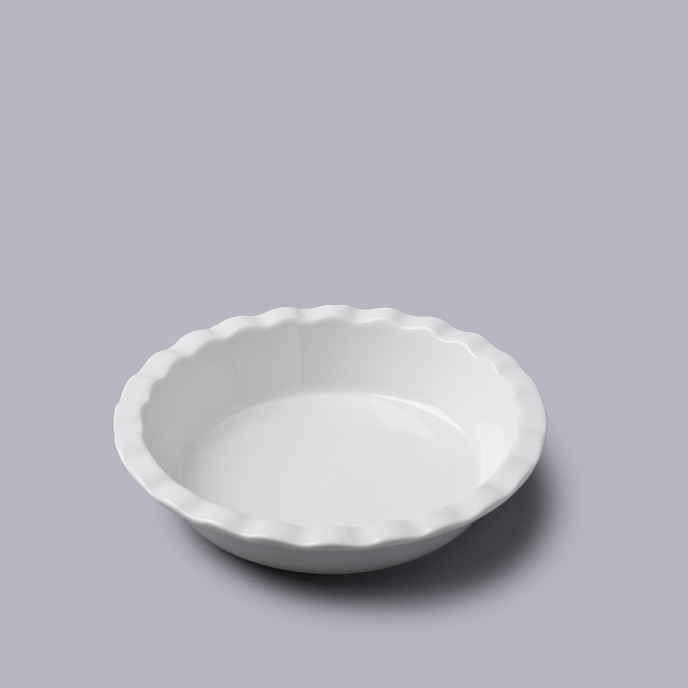 Image of Round Pie Dish with Crinkle Crust Rim 20cm