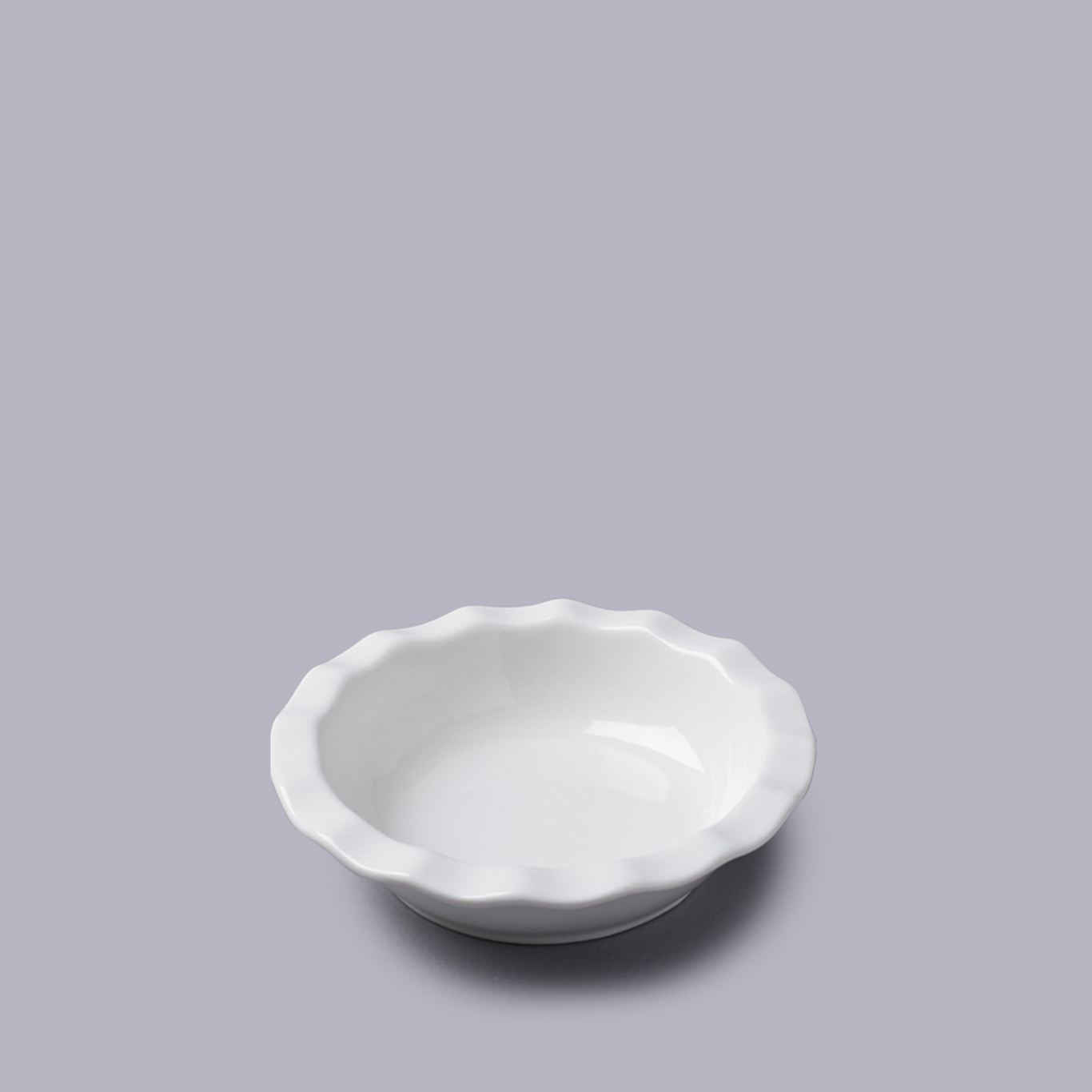 Image of Round Pie Dish with Crinkle Crust Rim 16cm