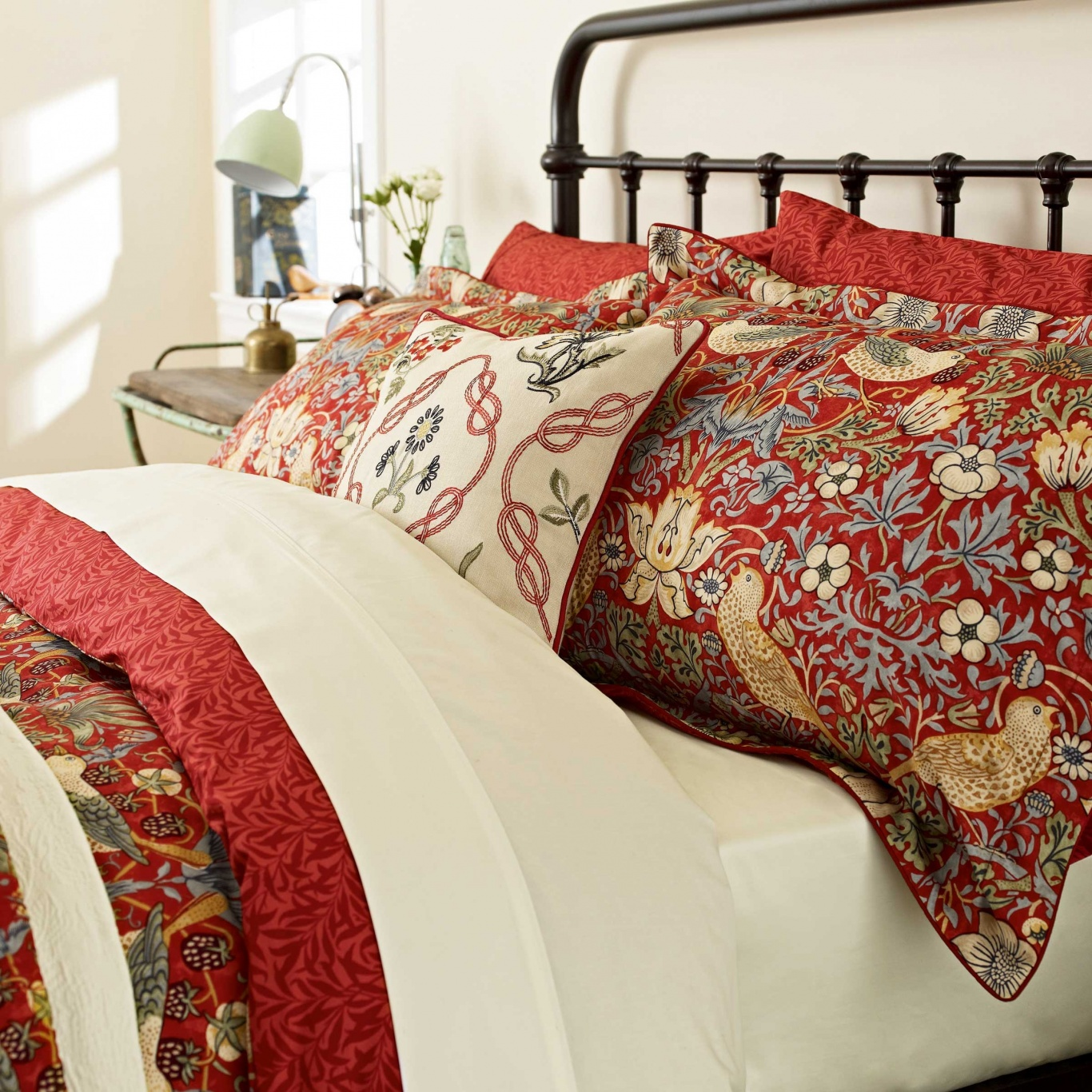 William Morris Strawberry Thief King Duvet Cover Set Crimson Red