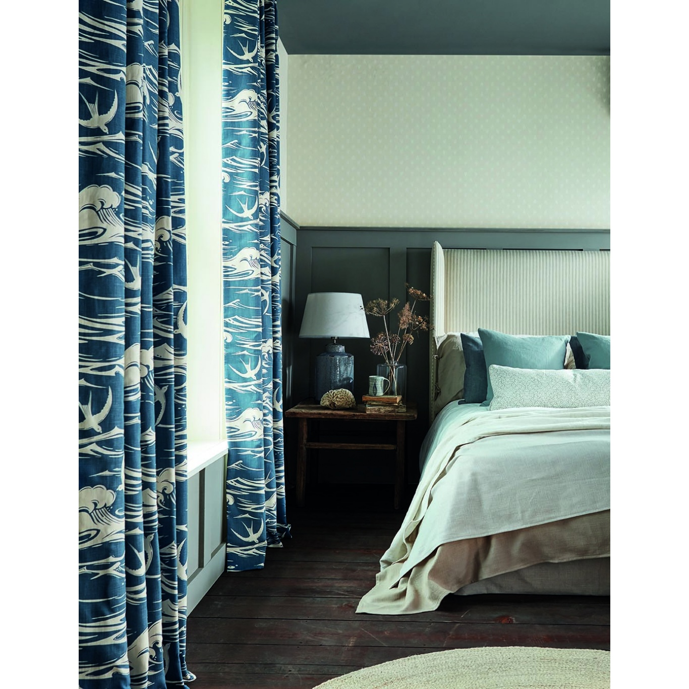Sanderson Swallows at Sea Linen Fabric 226742