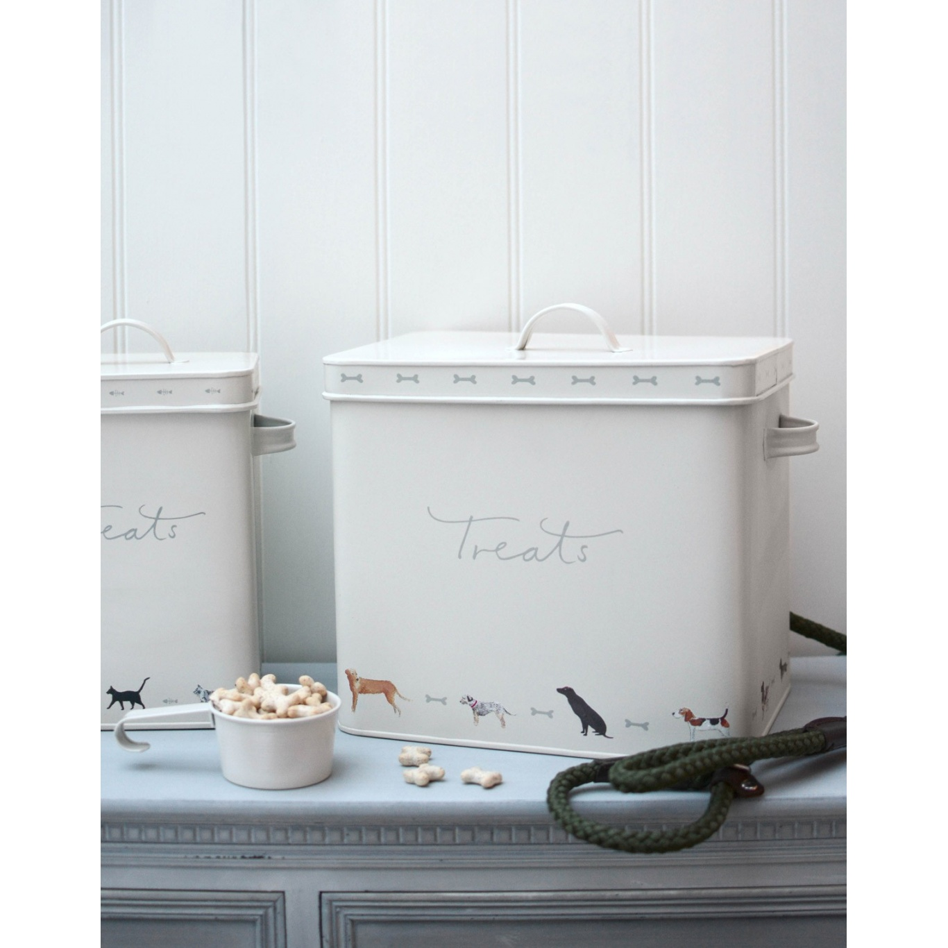 Sophie Allport Dog Treat Tin - Woof!