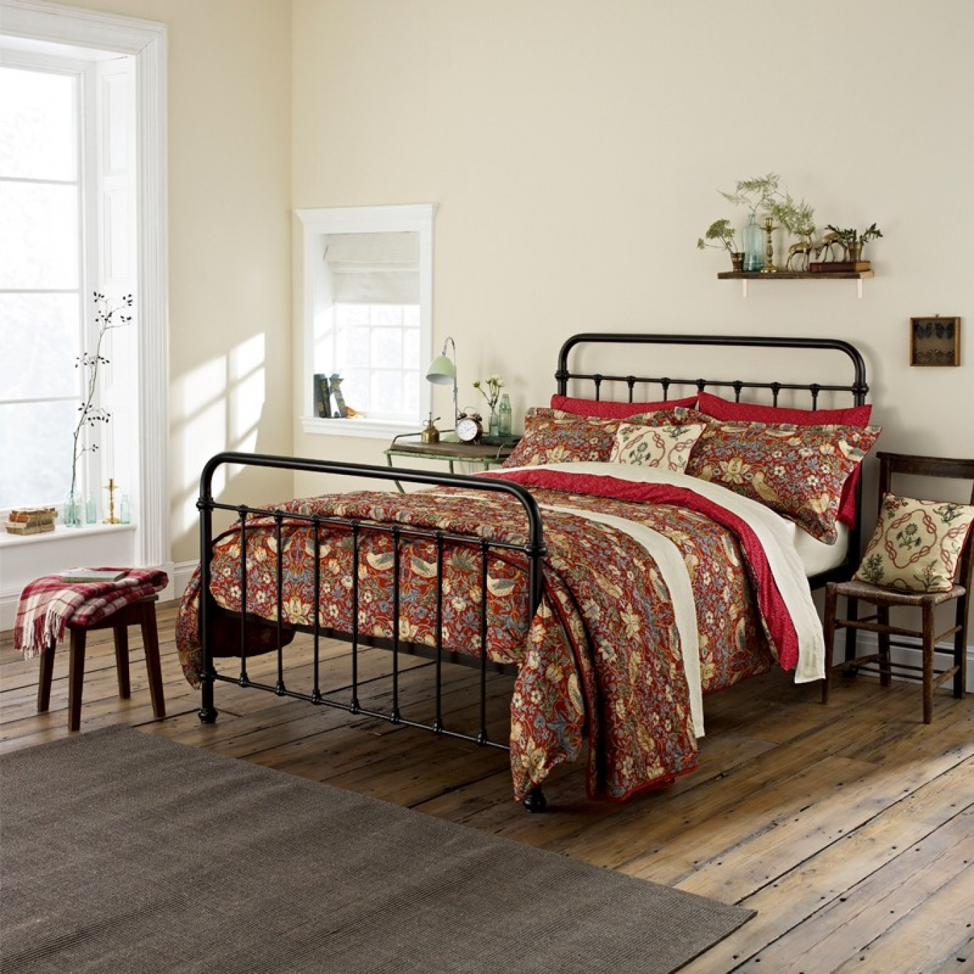 Image of William Morris Strawberry Thief King Duvet Cover Set Crimson Red