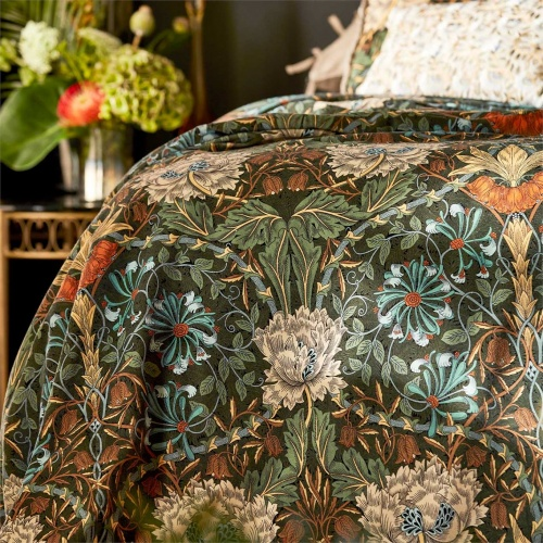 Morris & Co Honeysuckle & Tulip Velvet Forest/Chestnut 236939