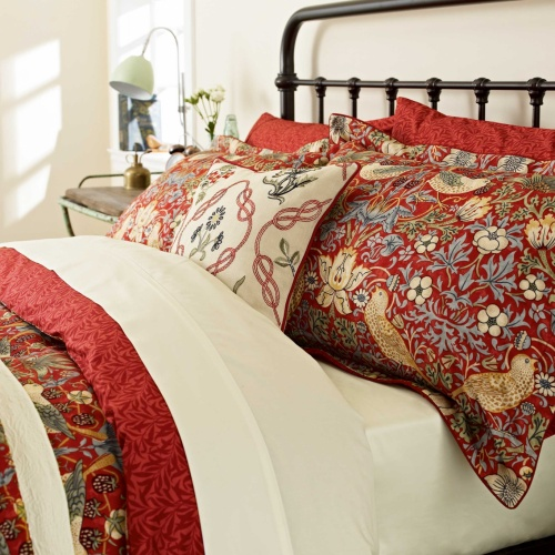 William Morris Strawberry Thief Double Duvet Cover Set Crimson Red