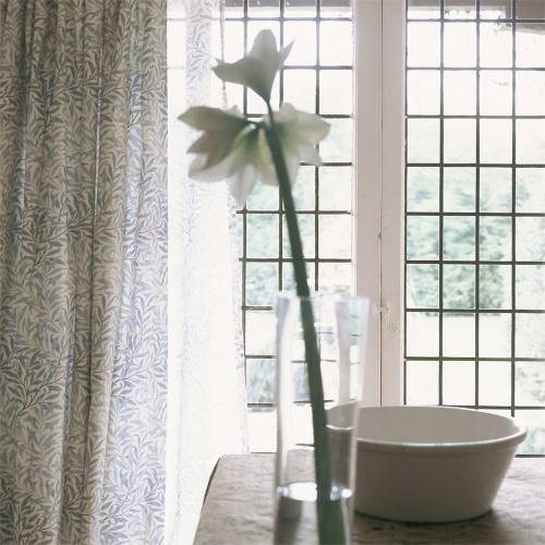 Morris & Co Willow Boughs Cream/Pale Green Curtain Fabric PR7614/1