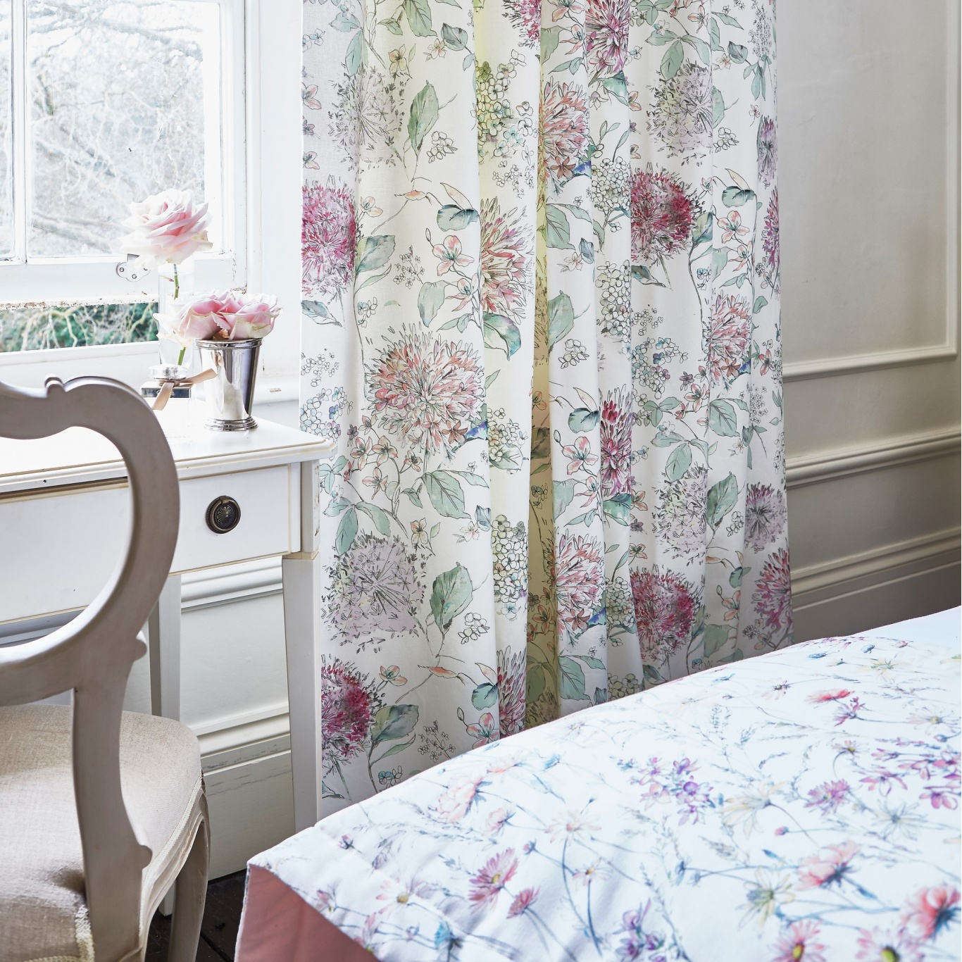 Prestigious Lila Primrose Fabric 8671/509